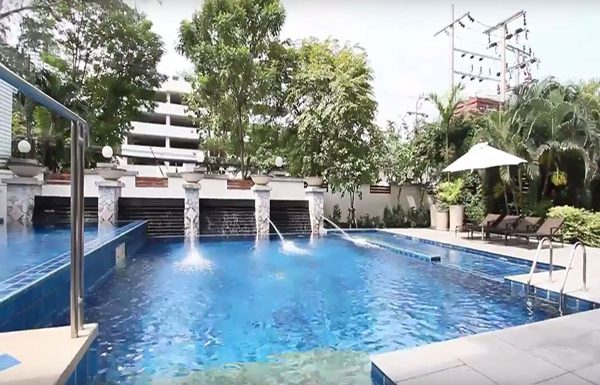 baan-ananda-bangkok-condo-for-sale-swimming-pool-2